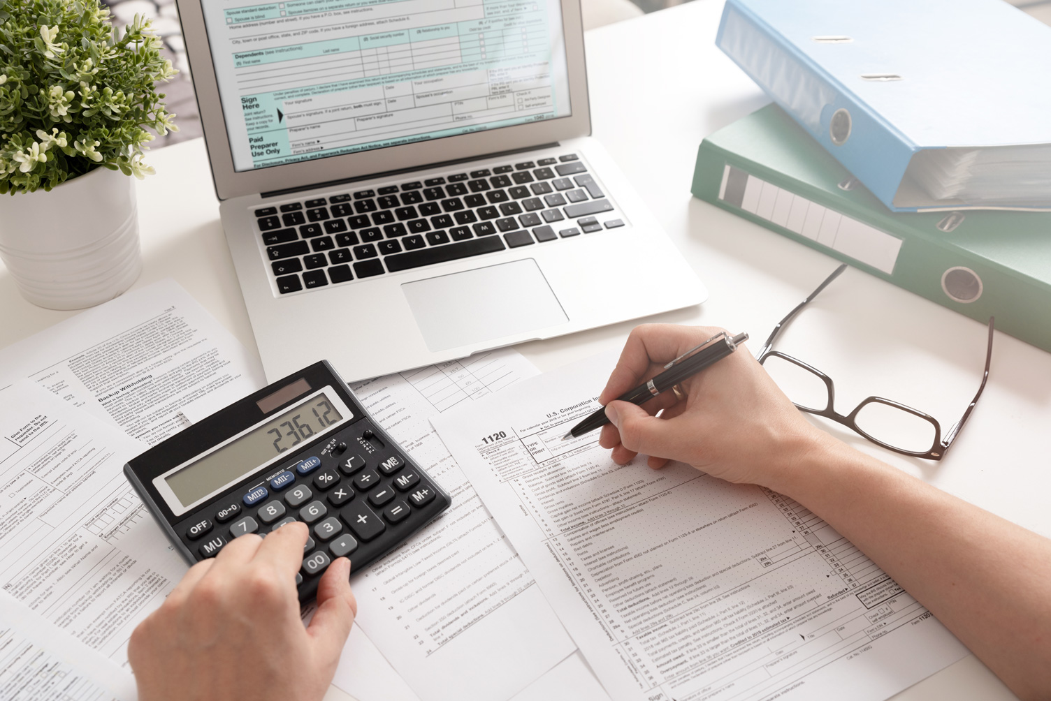4 Things to Consider While Hiring an Accountant For a Limited Company - Minting Cash